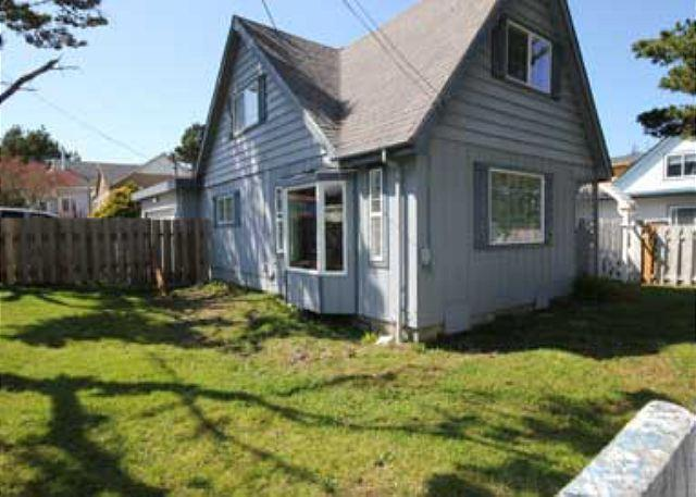 Pet Friendly with Hot Tub - Image 1 - Lincoln City - rentals