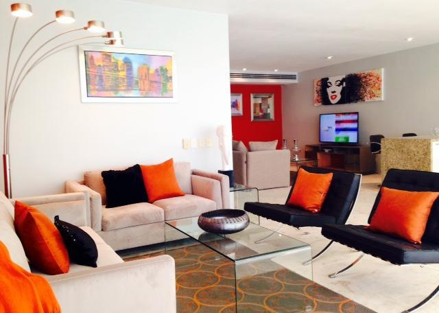 Luxury Furnishings in the Heart of Playa steps from the beach and 5th! - Image 1 - Playa del Carmen - rentals