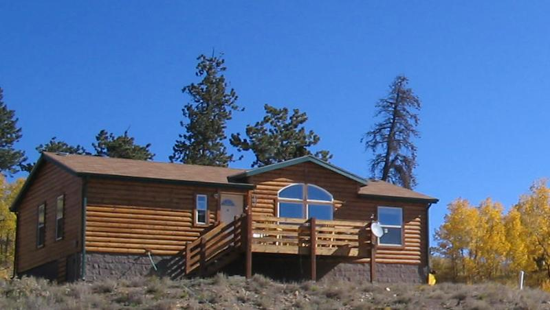 Front view of home - Wood Lodge get away. Fishing, skiing, hiking, ATV - Jefferson - rentals