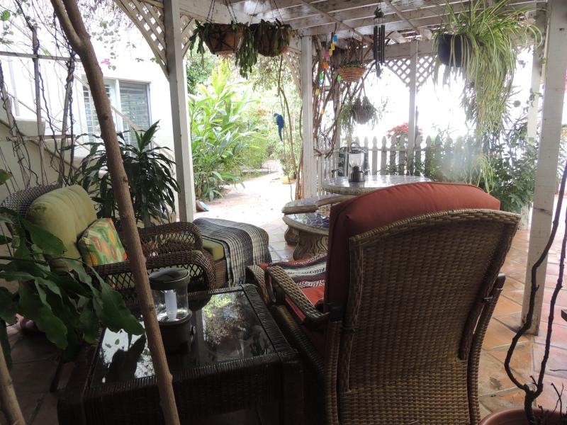 Lounging area - Luxury for four Convention Center,Zoo,down town. - Pacific Beach - rentals