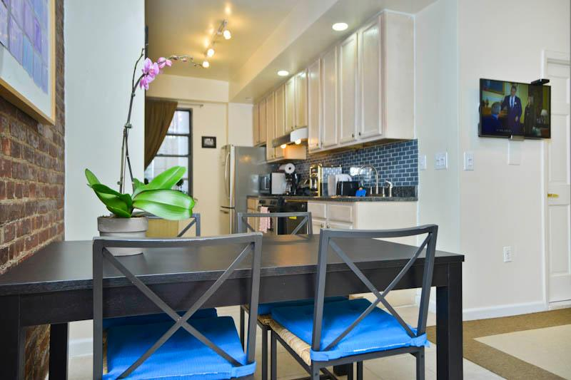 Dining table - AEGEAN Beautiful Upper West Side  2 Bedroom APT! - New York City - rentals
