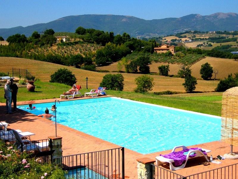 Spoleto By The Pool: APT 4. Spoleto centre/0.7 mls - Image 1 - Spoleto - rentals