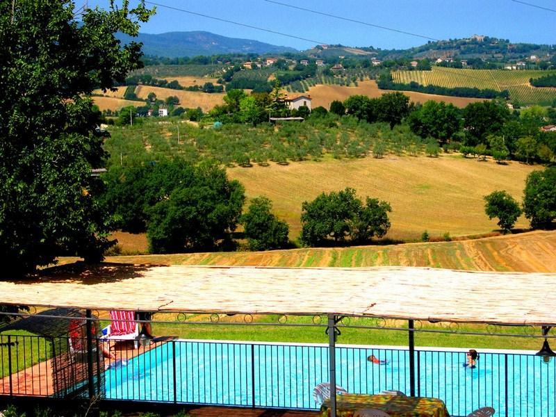 Spoleto By The Pool:APT 5. Central Spoleto/0.7 mls - Image 1 - Spoleto - rentals