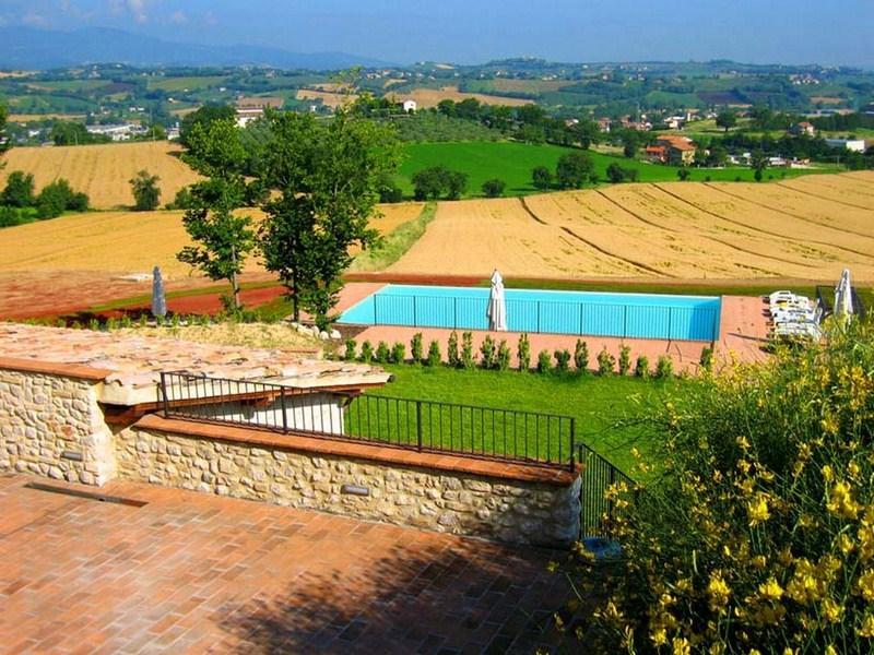 Spoleto By The Pool: APT 3. Spoleto centre/0.7 mls - Image 1 - Spoleto - rentals