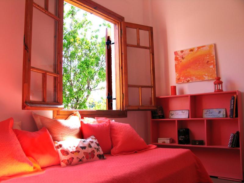A Holiday House in Aegina Island - Image 1 - Kondos - rentals