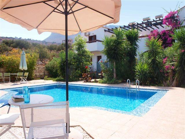 Astra From Across Pool - Rural Retreat - 10mins drive from sandy beach wifi - Drapanos - rentals