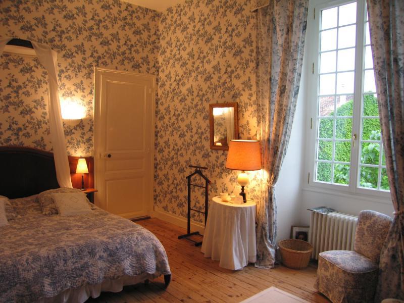 chambre Victoria - Logis de Guitres - Jarnac - rentals