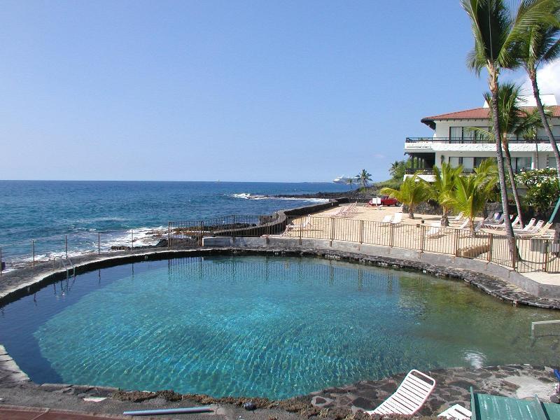 sea side pool with private ocean front - Oceanfront Vacation Rental in Kailua Kona Hawaii - Kailua-Kona - rentals