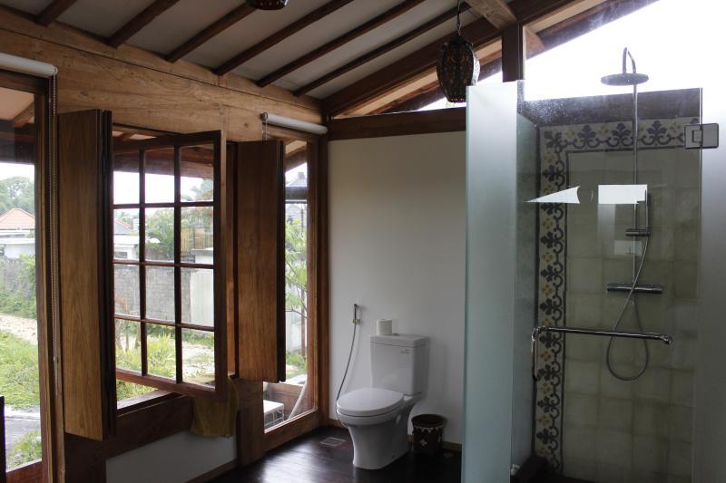 Gorgeous Teak 3bdrm House near Echo Beach - Image 1 - Pererenan - rentals
