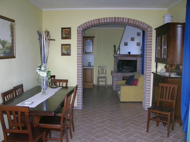 apartment in farmhouse near Piedicolle x 4 guests - Image 1 - Collepepe - rentals