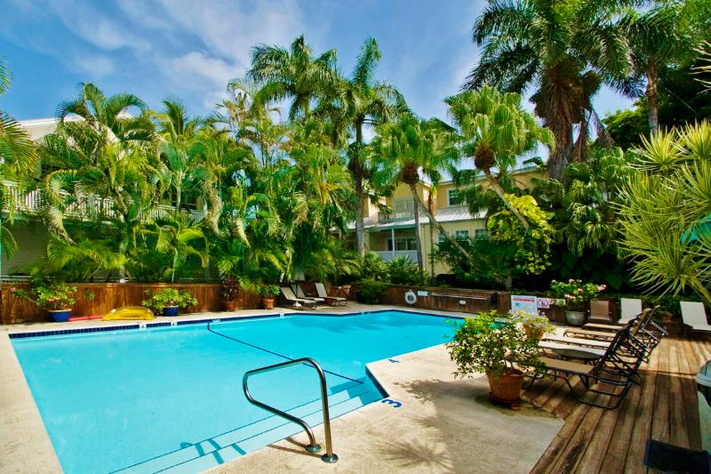 28 NIGHT MINIMUM STAY REQUIREMENT - SOUTHARD SQUARE HIDEAWAY - Southard Square Hideaway Old Town, Pool, Parking T - Key West - rentals