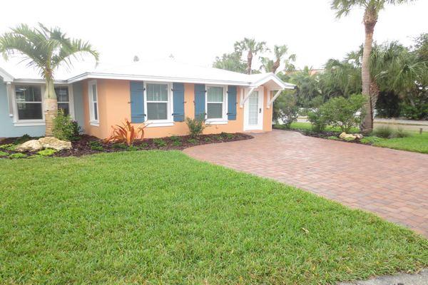 Yellowfin Cottage Road View - Yellowfin Cottage - Holmes Beach - rentals
