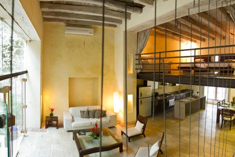Magnificent 3 Bedroom Apartment in an Old Town Colonial Mansion - Image 1 - Cartagena - rentals