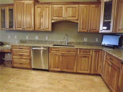 Custom kitchen - New Upper 3 Bedroom Condo on Castle Rock Lake - Mauston - rentals