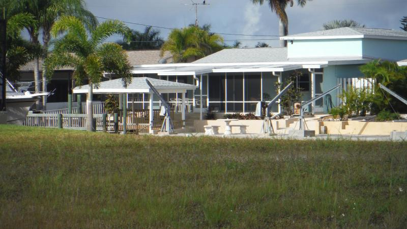 Matlacha Direct Gulf Acess Home With Boat Dock - Image 1 - Matlacha - rentals
