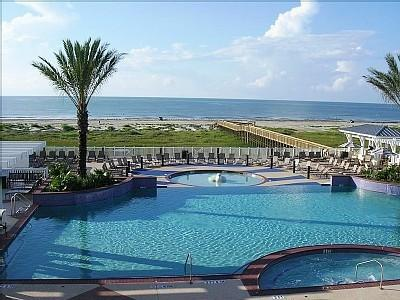 Infinity pool overlooking the Gulf - Beachfront Escape PointeWest Galveston View 2B/2FB - Galveston - rentals