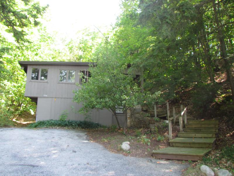 Tranquility at the Summit - Image 1 - Traverse City - rentals