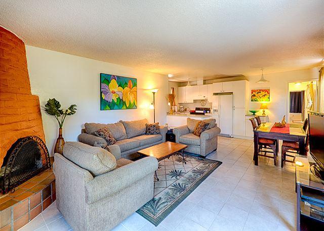 La Jolla Beach Rental Condo With Private Yard - Image 1 - La Jolla - rentals