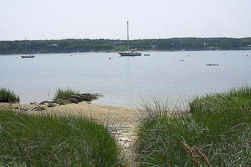 Small Beach on Lagoon - TUCKL - Adorable Waterfront Cottage on the Lagoon, Quiet Lovely Neighborhood, Walk to Town - Vineyard Haven - rentals