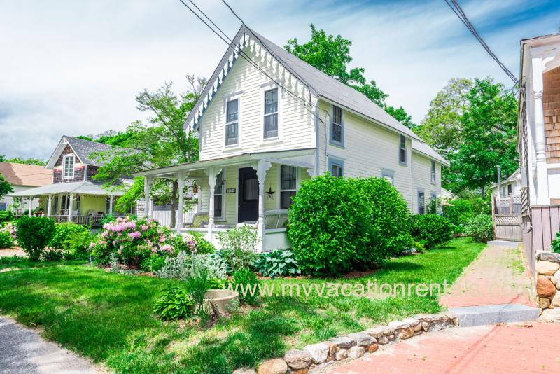 Front of House - GUIDT - Pennacook Victorian House, Covenient In-town Location, Walk to Beach, Enjoy Shops, Dining and Harborfront, All Just a Short Stroll from this Quaint Home - Oak Bluffs - rentals