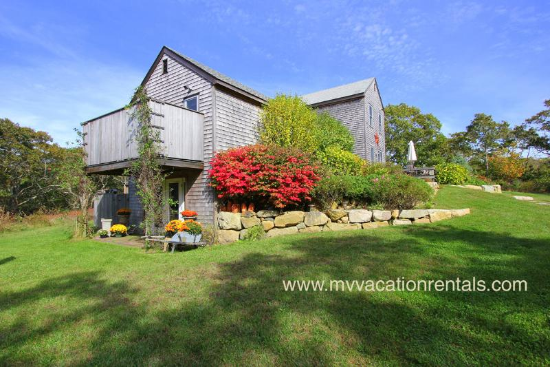 SWETL - Makonikey Vacation Retreat, Gorgoeus Waterviews,  Some A/C, 2 Minute Walk to Private Association Beach, Designer decor throughout - Image 1 - West Tisbury - rentals