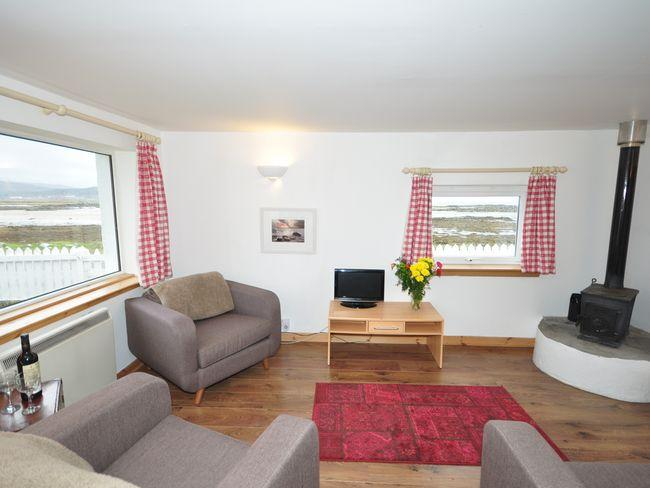Open plan lounge area with far reaching views - SK211 - Breakish - rentals
