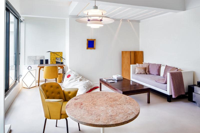 Exquisite apartment close to Montmartre - Image 1 - Mons - rentals