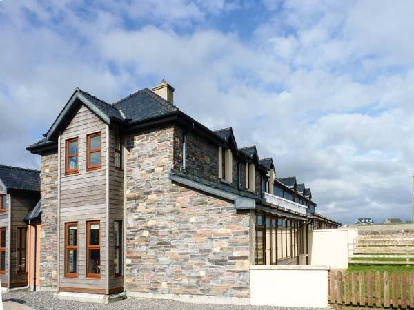 Smuggler's Hide, terraced cottage with woodburner, garden, close to beach, Cullenstown, Ref. 912132 - Image 1 - Carrick on Bannow - rentals