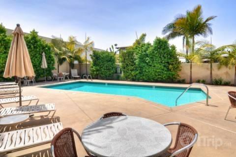 Community pool - Resort Living by the Village - Carlsbad - rentals