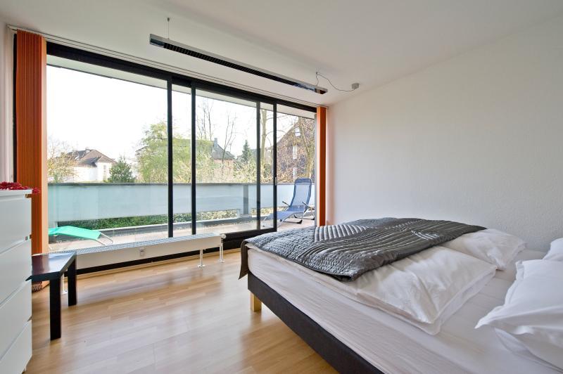 Business Suite, near City & Fair - Image 1 - Essen - rentals