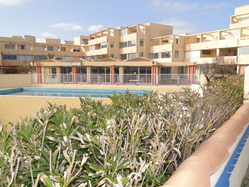 residence pool - nice flat in a nudism residence south of france!! - Port Leucate - rentals