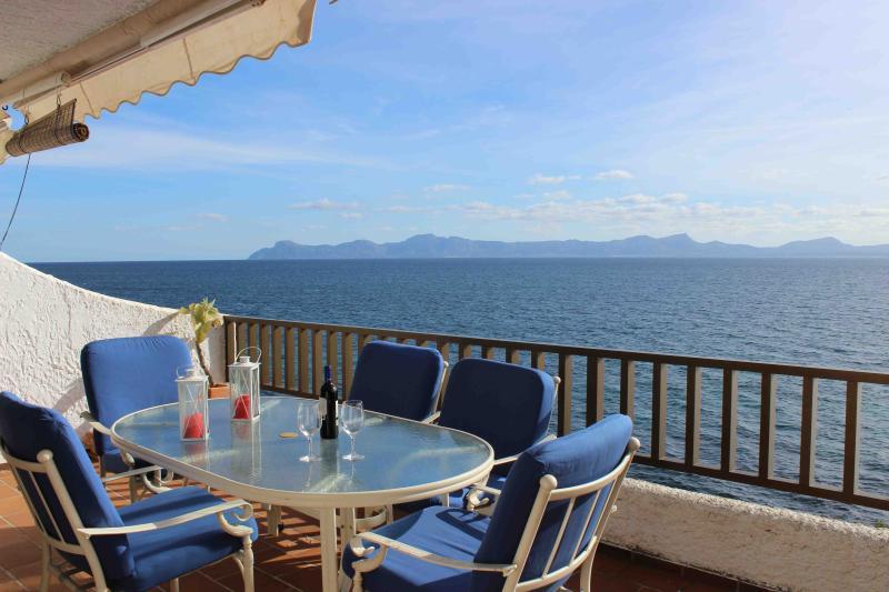 Nice apartment over the Mediterranean - Image 1 - Puerto de Alcudia - rentals