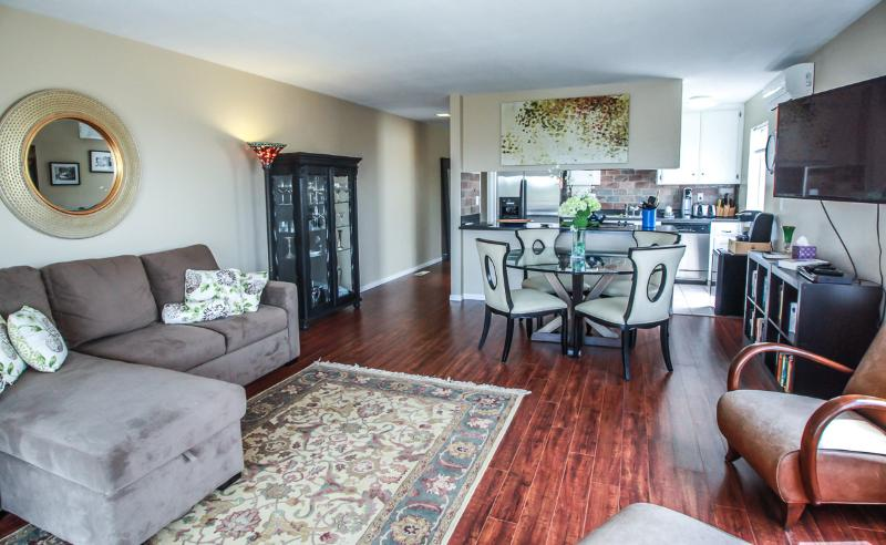 Living Room - Charming Mission Bay One Bedroom - Pacific Beach - rentals