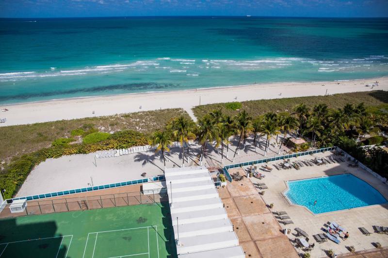 OCEANFRONT 2 Bedroom in Miami Beach - Image 1 - Miami Beach - rentals