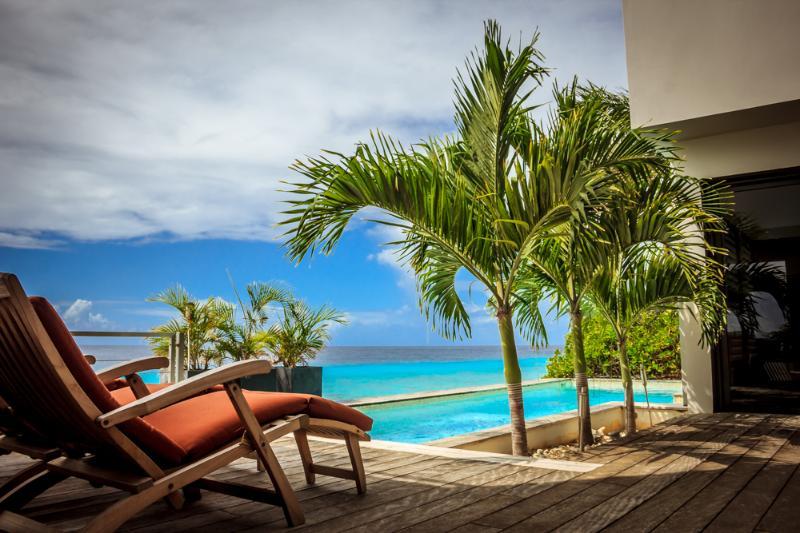 Casa Esmeralda ***Exclusive Oceanfront Luxury!!*** - Image 1 - Kralendijk - rentals