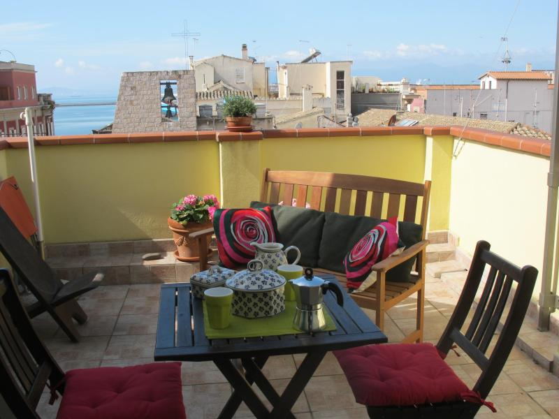 Breakfast on the terrace - Charming Apartment In A Building Of The 16th Century With Two Terraces - Cagliari - rentals