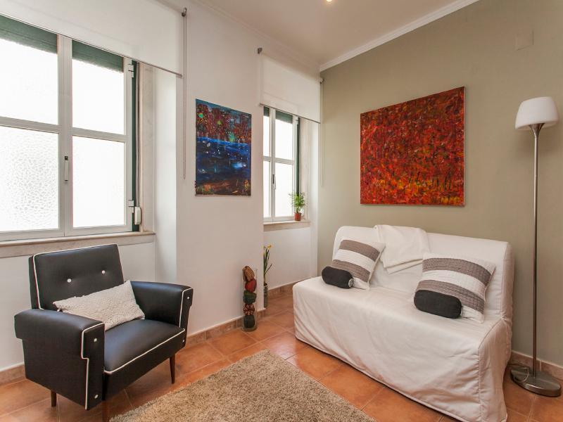 Gaveas Apartment - Image 1 - Lisbon - rentals