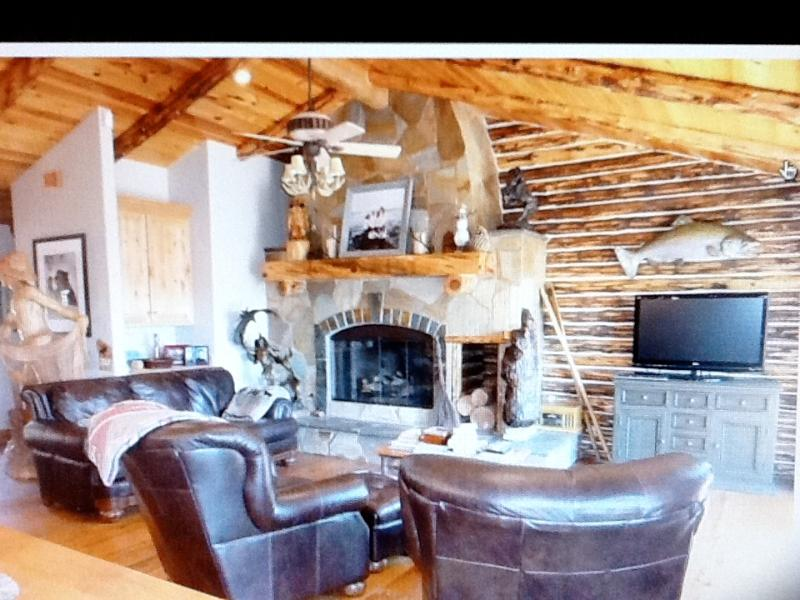 Great Room - Cabin Lodge Lake view - Lake Arrowhead - rentals