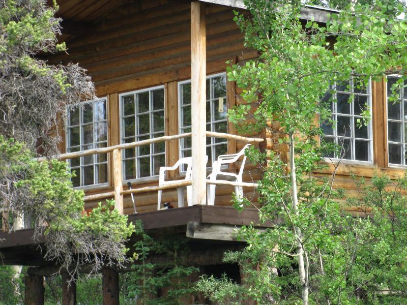 Log Cabin witha view. Your cozy wilderness retreat. - Wilderness Log Cabin Rental Kluane National Park - Haines Junction - rentals