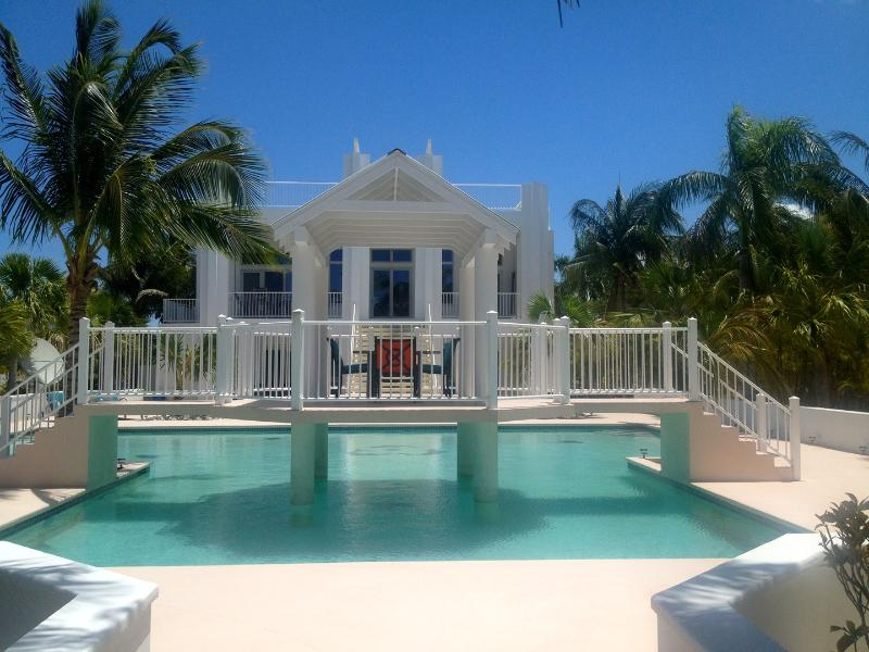 """Simply the Best"" on the beach! - Image 1 - North Caicos - rentals"