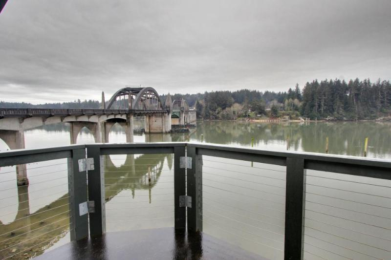 Gorgeous rental with river views and large private deck! - Image 1 - Florence - rentals