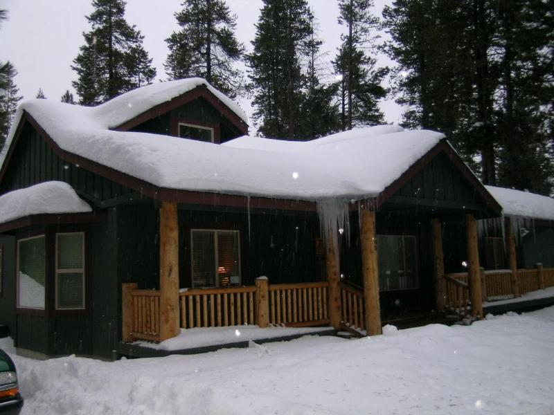 A Winter Wonderland - The Whispering Pine Lodge near Sunriver, OR - Bend - rentals