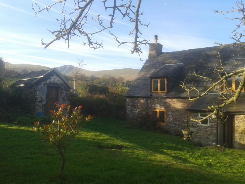 18th Century Hill Farm Cottage sleeps up to 7 - Image 1 - Brecon - rentals