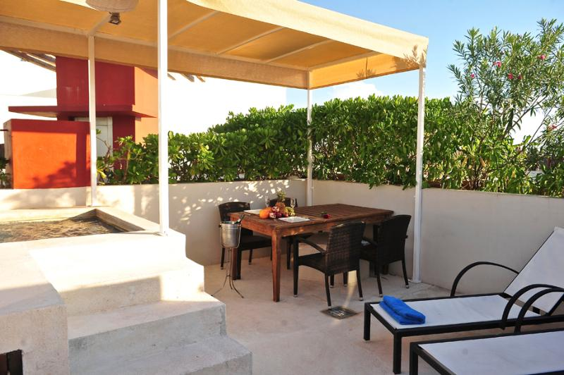 roof-top Private terrace with Private Jacuzzi - Penthouse-1 bedroom-private terrace 5 ta av. - Playa del Carmen - rentals
