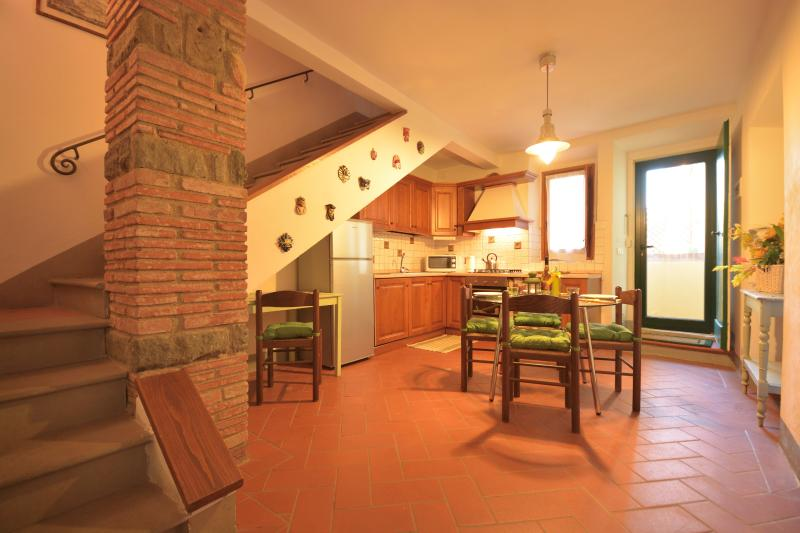 Kitchen - Tuscan Vacation Rental at Tre Cipressi House - Lastra a Signa - rentals