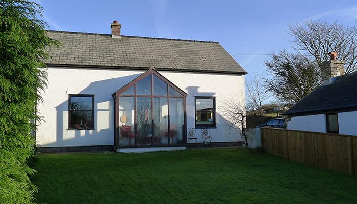 Holiday Cottage - Beudy Gwyn, Penparc, Nr Trefin - Image 1 - Llanrhian - rentals