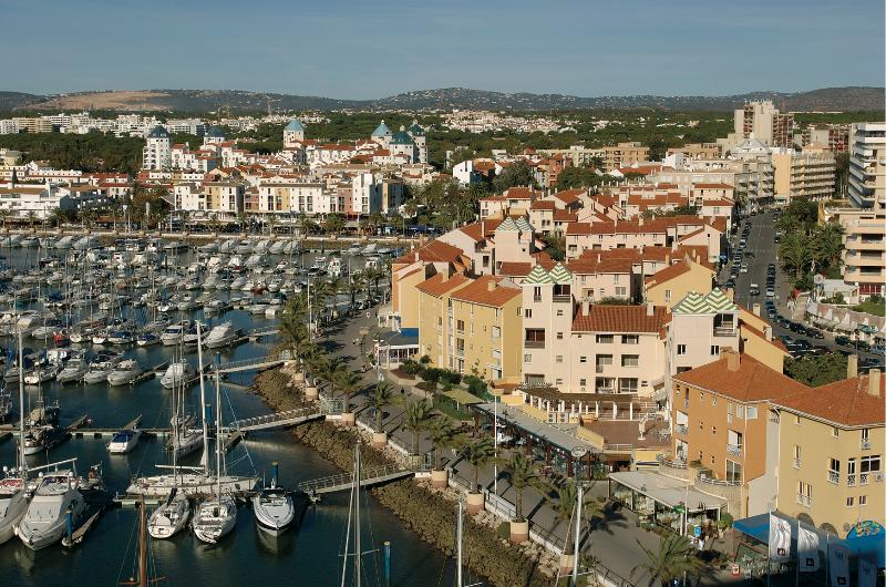 ONE BEDROOM APARTMENT WITH BALCONY IN FRONT OF THE VILAMOURA MARINA AND THE BEACH - REF. MPL111036 - Image 1 - Quarteira - rentals