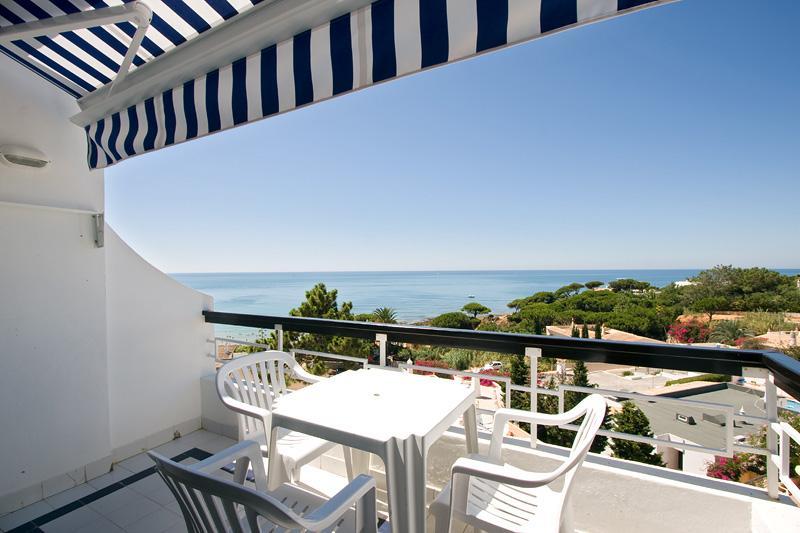 STUDIO WITH SEA OR GARDEN VIEW IN OLHOS DE AGUA - ALBUFEIRA - REF. APPQ109997 - Image 1 - Olhos de Agua - rentals