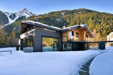 Spacious Chalet Dalmore with mountain view roof terrace, large pool, driver & chef - Image 1 - Chamonix - rentals