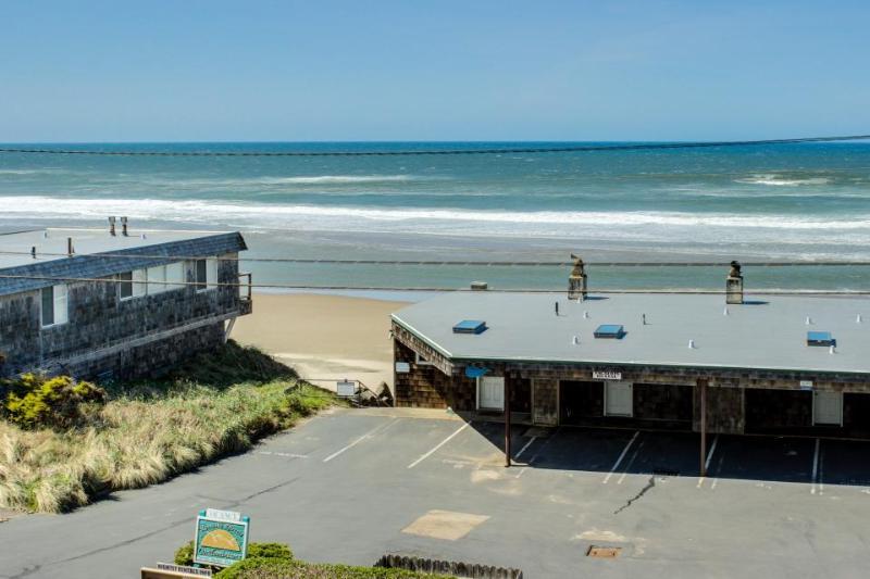 Sea Breeze Condo - Image 1 - Lincoln City - rentals